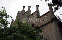 Niepowtarzalny neogotycki pałac wystawiony na sprzedaż