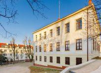 WGN sprzedaje biurowiec w centrum Łomży