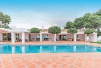 WGN sprzedaje luksusową wille w Hiszpanii