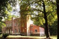 WGN sprzedaje zespół pałacowo parkowy z XIX wieku