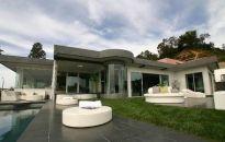 WGN sprzedaje rezydencję w Los Angeles w USA