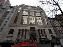 Wystawiono na sprzedaż największy loft w zachodniej części Nowego Jorku za cenę 13,5 mln zł.