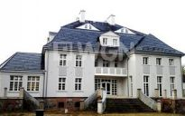 Pałac pod Łebą w cenie 7,5 mln PLN