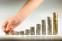 Kredyty - czy będą niższe raty miesięczne?
