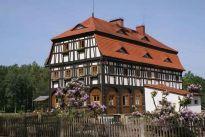 KRAINA  DOMÓW  PRZYSŁUPOWYCH, środkowoeuropejski klejnot tradycyjnego budownictwa ludowego