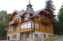 Sprzedają zabytkowy pensjonat w Szklarskiej Porębie